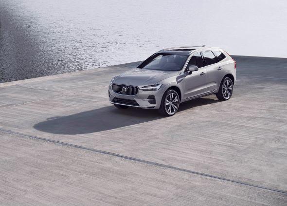 Модель-бестселер Volvo XC60 стала ще більш інтелектуальною